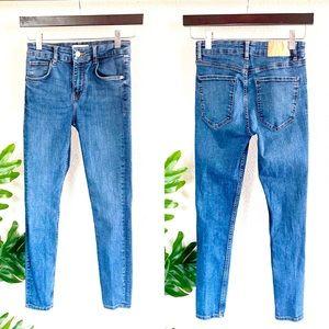 Zara High Waisted Cropped Skinny Jeans